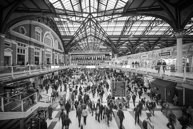 London Moments, Liverpool Street, commuters , city life, short story, creative writing, alice hodgson